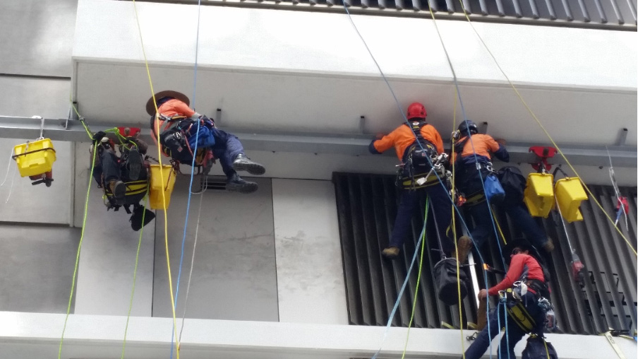 Industrial Rope Access - Sky Signage Installation - Standby Rescue - Facade Refurbishment - Inspections and Reports - High Rise Building Maintenance - Structural Steel - Dams